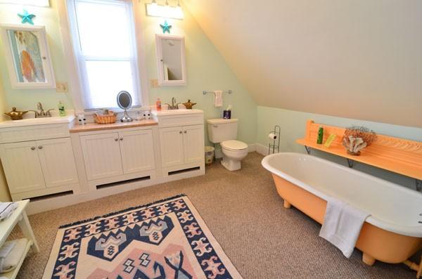 thirdfloorbathroom