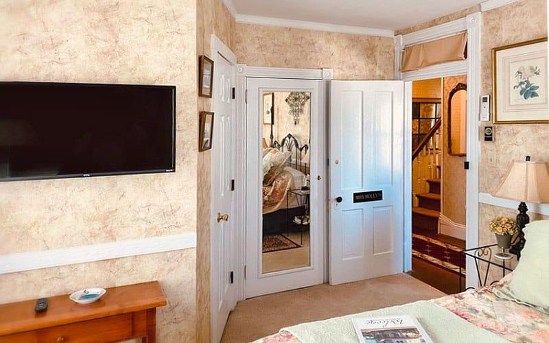 Miss Molly's Room