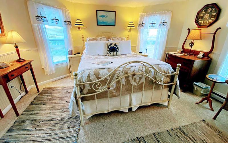 Bay Room Bed