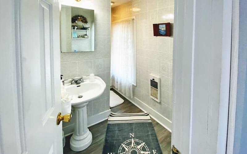 Upper Deck Bath